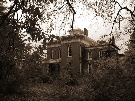 OLD HOUSE SEPHIA1
